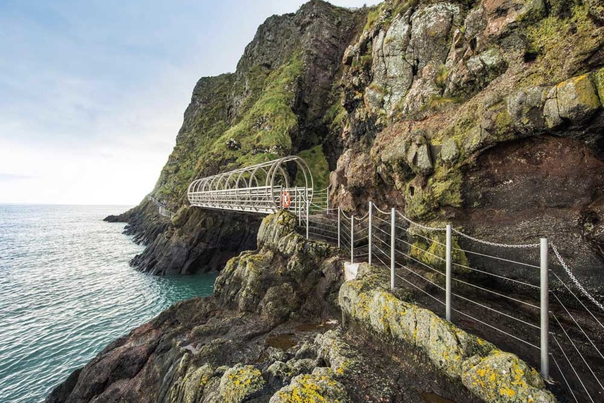 'Bonjour and Bienvenue' to The Gobbins image