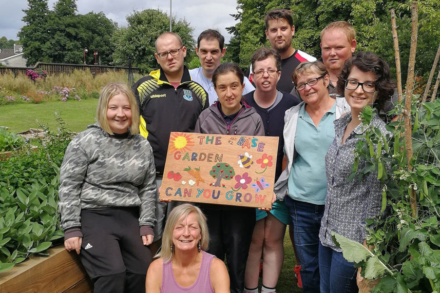 Disused area of popular park transformed thanks to inspirational green-fingered volunteers image